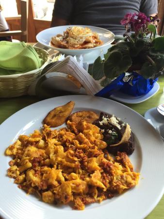 Toscano Cafe Restaurante