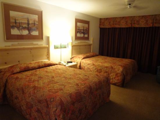 Los Viajeros Inn: 2 Queen rooms