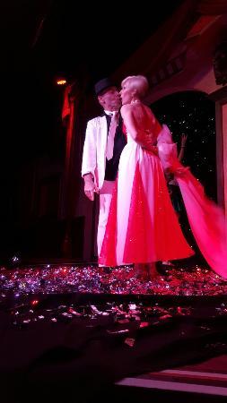 Treasure Tavern Dinner Theatre: 20160305_221623_large.jpg