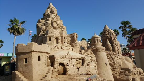 ‪Largest Outdoor Sandcastle in the USA‬