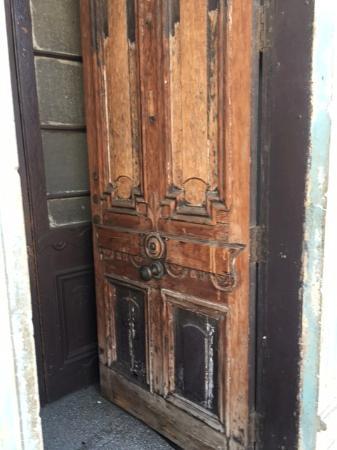 Cerro Concepcion: I adore the old architectural details in Valparaíso