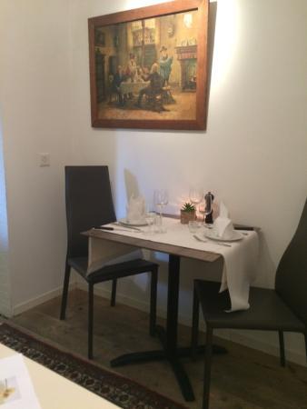 Petite table en amoureux picture of auberge des clefs - Table amoureux ...