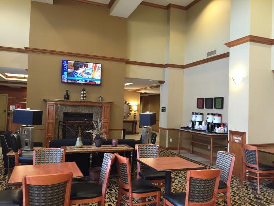 Hampton Inn & Suites Columbia (at the University of Missouri): photo0.jpg