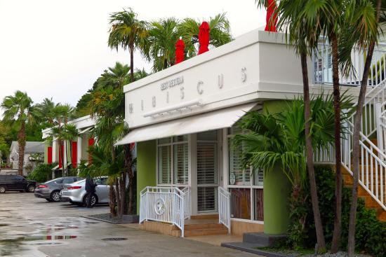 BEST WESTERN Hibiscus Motel: The Entrance To Hibiscus