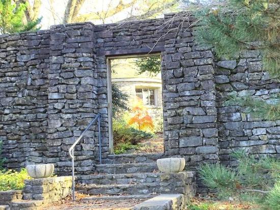Knoxville Botanical Garden: Martha H. Ashe Garden