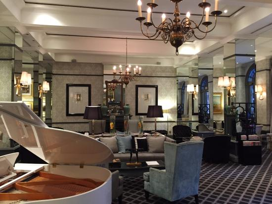 54 on Bath: Simply AMAZING hotel reception area!
