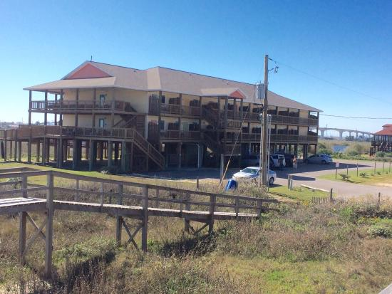 Surfside Beach, TX: View from Pirates Alley deck and view of one of the room units