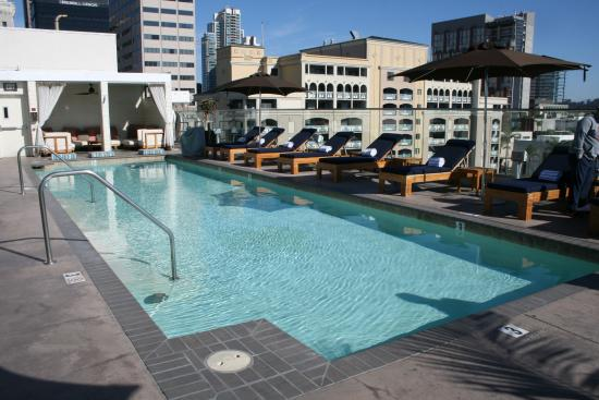piscine sur le toit picture of andaz san diego san diego tripadvisor. Black Bedroom Furniture Sets. Home Design Ideas