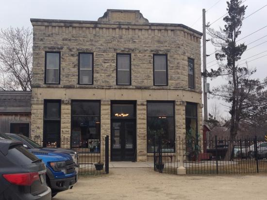 Anamosa, Iowa: Exterior of pub