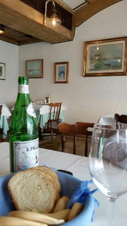 Trattoria da Ferruccio : Finalmente un ristorante dove si può mangiare dialogando, ottimi i gnocchi, la fritura e il pesc