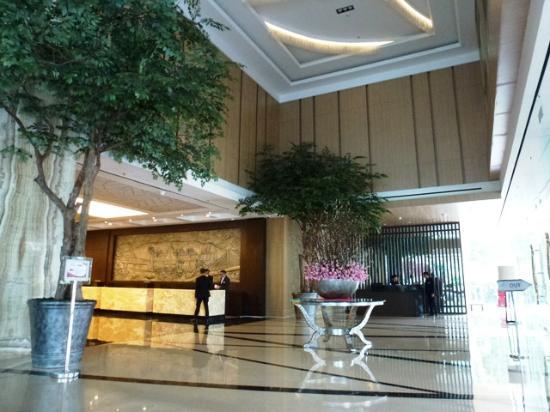 area lobi picture of crowne plaza bandung bandung tripadvisor rh tripadvisor ie