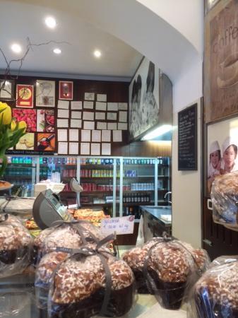 Pattini e Marinoni: Banco pasticcini panetteria