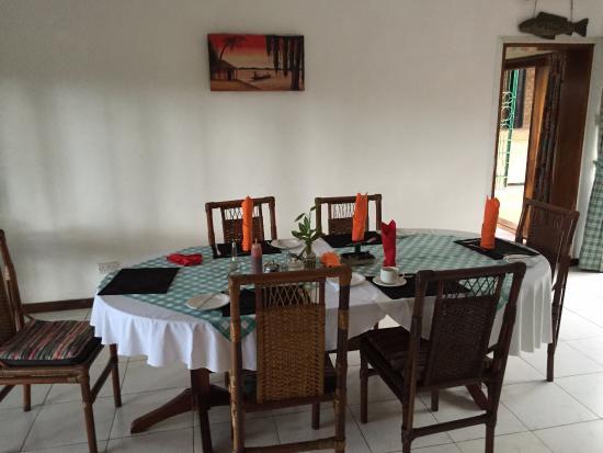 Mount Pleasant Inn : Indoor dining area