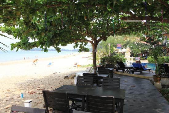 Maya Koh Lanta Resort: Frühstück- und Restaurant direkt am Strand - TOLL