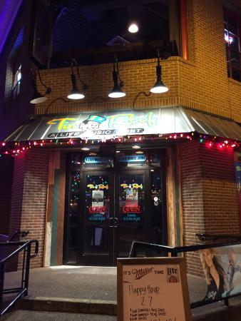 Tin Roof Memphis Restaurant Reviews Phone Number