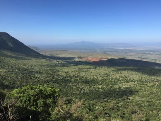 the great rift valley What is the rift valley image showing the african rift zone this image links to  a more detailed image africa's great rift valley is a 6,000-mile.