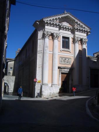 Chiesa Di Sant'ansano E Cripta Di Sant'isacco: la facciata della chiesa