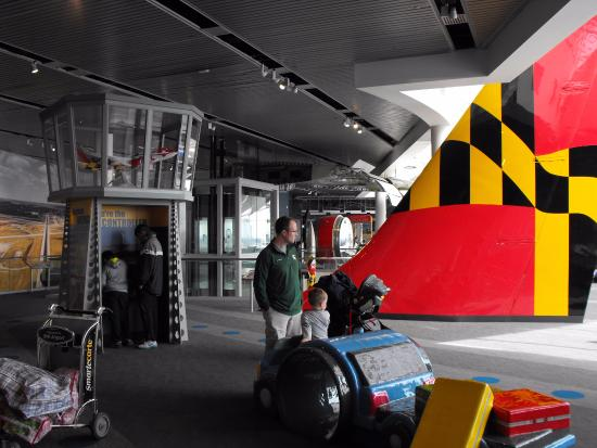 The Observation Gallery at BWI Marshall: Fun for kids.