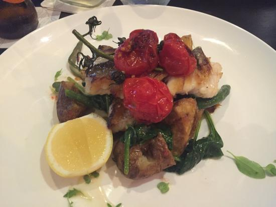 Medowie, Australia: Snapper with wilted spinach and cherry tomatoes
