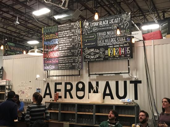 Somerville, MA: Aeronaut Brewing Co.