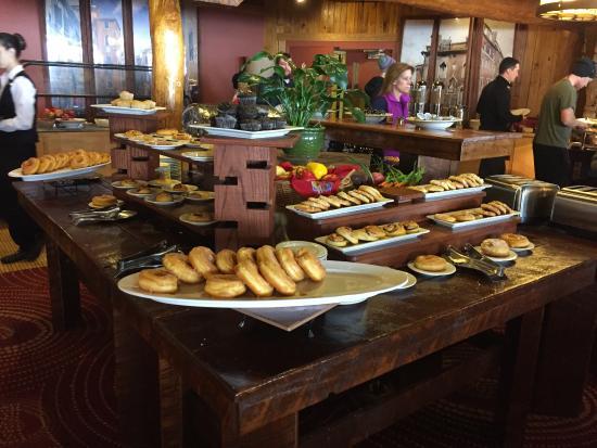 breakfast buffet picture of seven springs mountain resort rh tripadvisor com