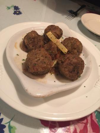 อัมสเตอร์ดัม, นิวยอร์ก: Stuffed mushrooms, eggplant parmigiana, and a noodle dish my boyfriend had.