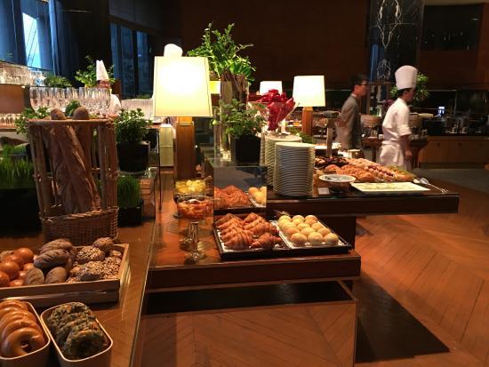 breakfast buffet picture of grand hyatt hong kong hong kong rh tripadvisor co za