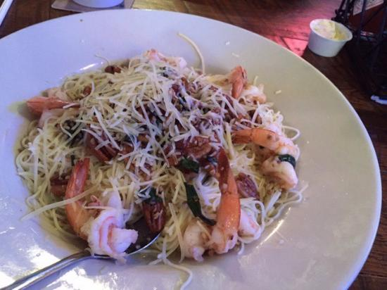 Mama's Oyster House: Shrimp with pecans and garlic and green onion on angel hair pasta