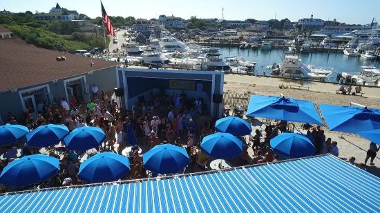Ballard's Beach: Live Music Everyday