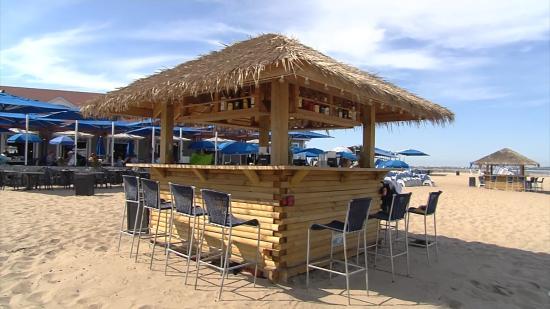 Ballard's Beach: Our Famous Tiki Bar