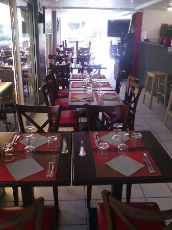 Saint-Cyprien-Plage, France: Salle du Restaurant