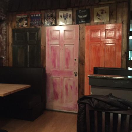 Buck's Naked BBQ Steakhouse: The interior