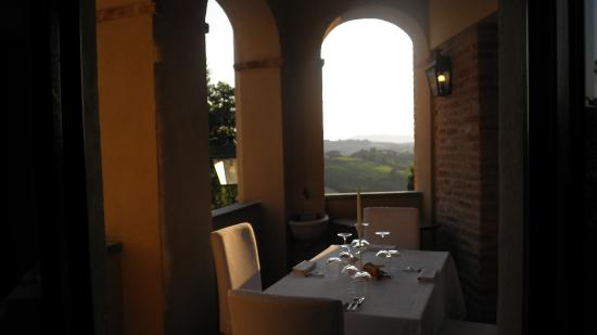 Coazzolo, Italia: Loggiato