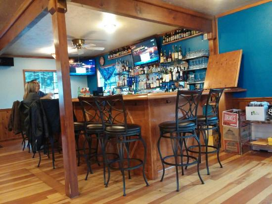 Arnold, CA: JJ's Dive Bar & Grill