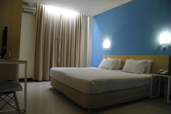 Griya Sintesa Hotel: Deluxe Queen Room