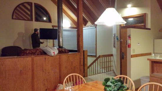 Shawnee River Village 2: View from the dining room to living room