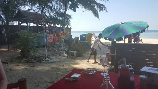 Boom's Beach Restaurant