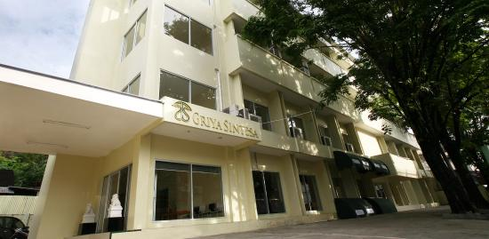 Griya Sintesa Hotel: Facade