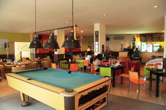 Griya Sintesa Hotel: Cafe
