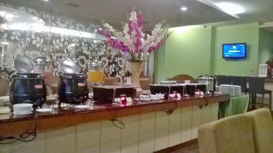 Sanno Hotel: breakfast buffet