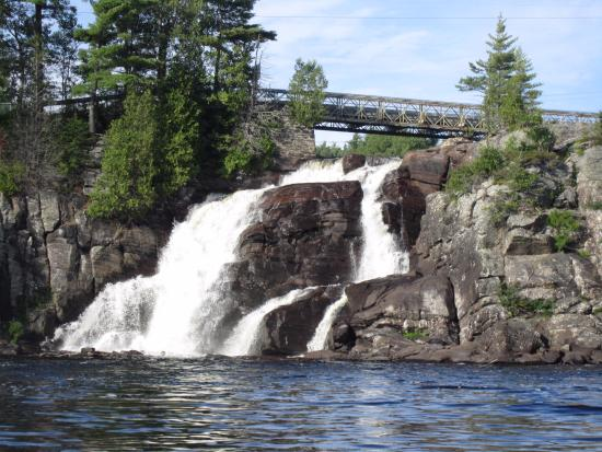 High Falls Bay Cottages, Camping & Waterpark: High Falls