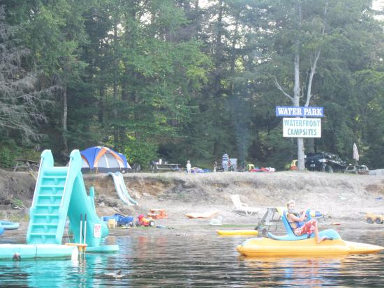 High Falls Bay Cottages, Camping & Waterpark-billede