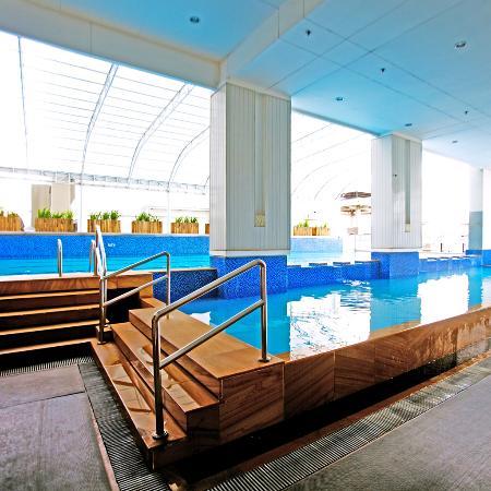 The A.Venue Hotel : Indoor Pool & Kiddie Pool - A.Venue Suites