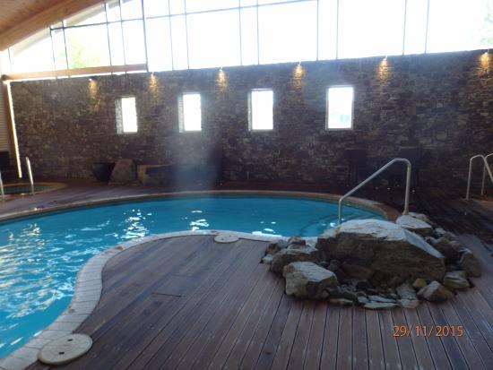 Captivating Novotel Rotorua Lakeside: Heated Swimming Pool.