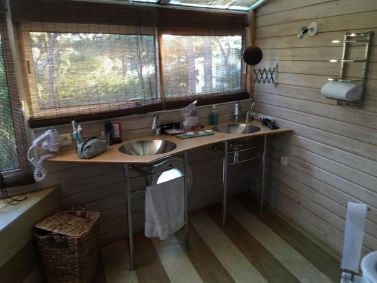 salle de bain avec sauna et baignoire jacuzzi chambre villa - Salle De Bain Avec Sauna