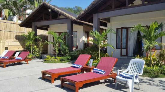 Kahuna Beach Resort and Spa: poolside of the new ocean villa rooms