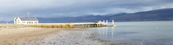 Victoria Cottage B & B: Beaumaris Pier.