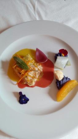 Ristorante Champagne Bar Il San Pietro: Filetto di branzino arancia e amaretti