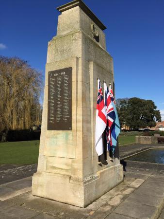 Bourne War Memorial Gardens: Bourne War Memorial
