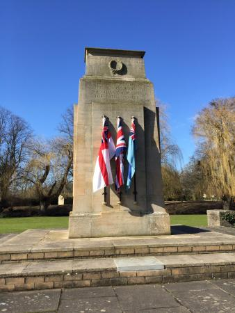 Bourne War Memorial Gardens: Bourne War Memorial & Gardens